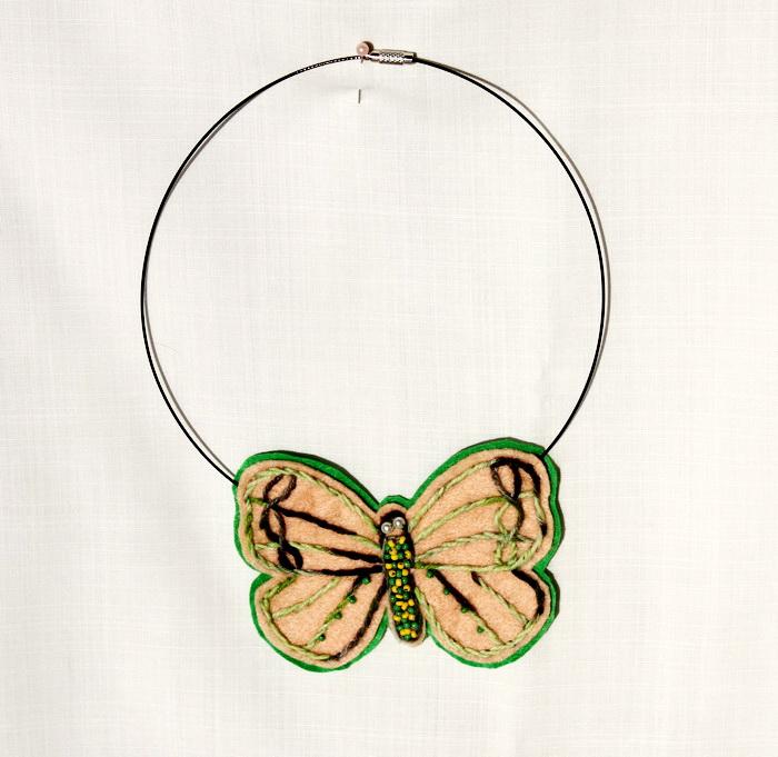 Bijuterii handmade- colier fluture (1)