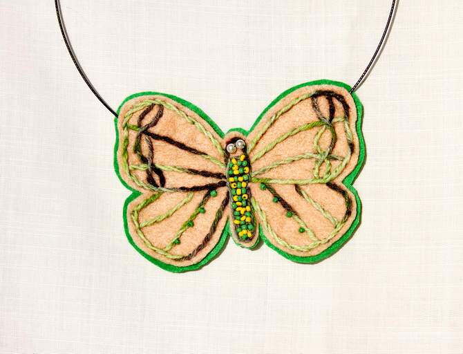 Bijuterii handmade- colier fluture (5)
