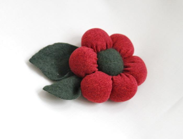 Bijuterii handmade brosa flori