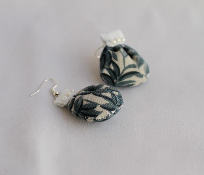 Cercei handmade cu fetru si dantela (9)