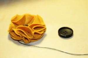 tutoriale handmade-brosa din fetru