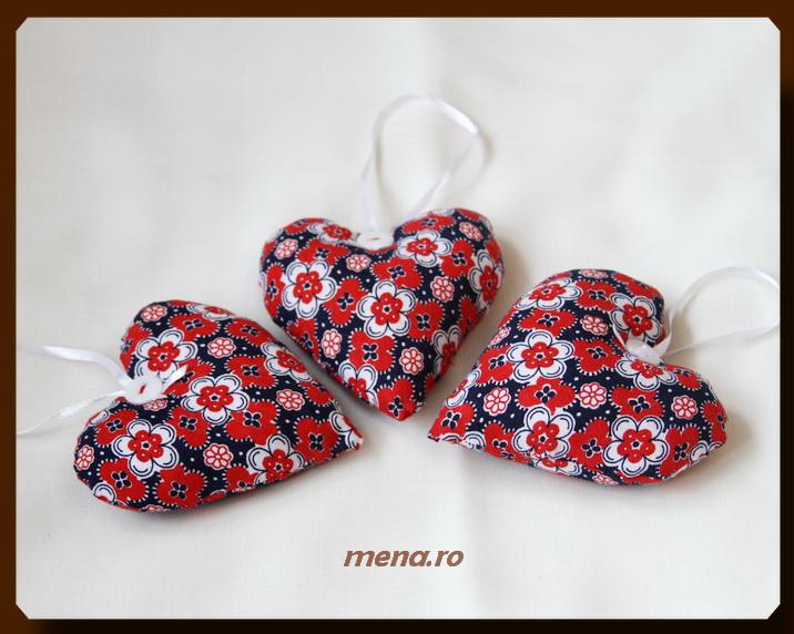 Decoratiuni handmade pentru Craciun din panza-inimioare (1)