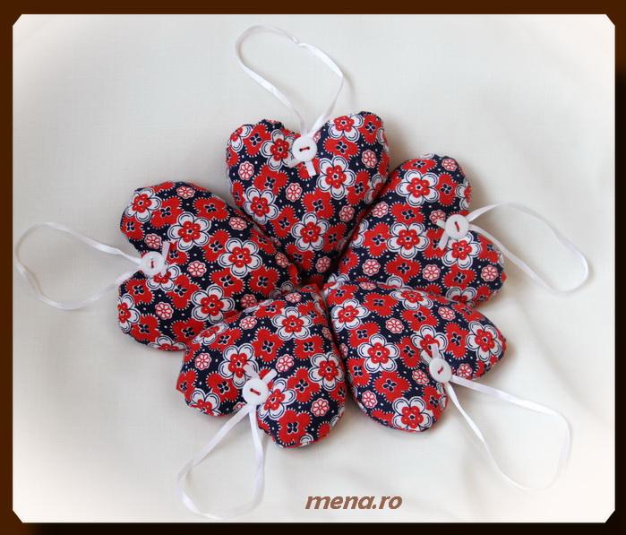 Decoratiuni handmade pentru Craciun din panza-inimioare (2)