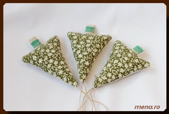 Globuri  handmade din fetru si materiale textile reciclate (8)