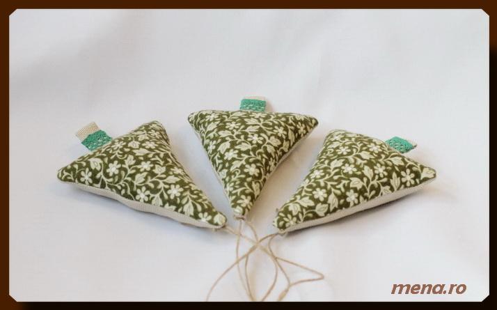 Globuri  handmade din fetru si materiale textile reciclate (9)