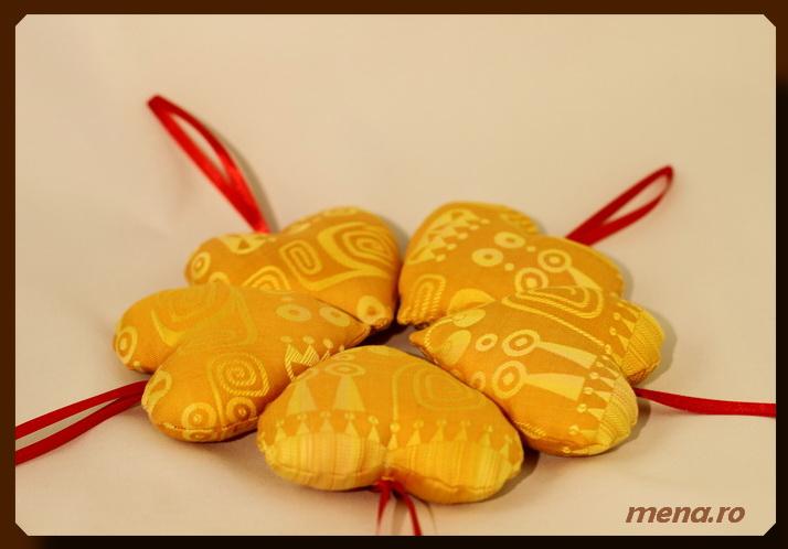 Globuri textile,decoratiuni handmade Craciun (14)