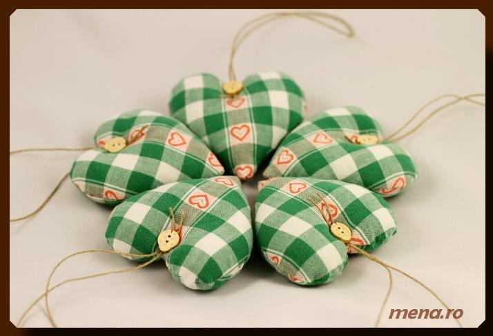 Globuri textile,decoratiuni handmade Craciun (5)