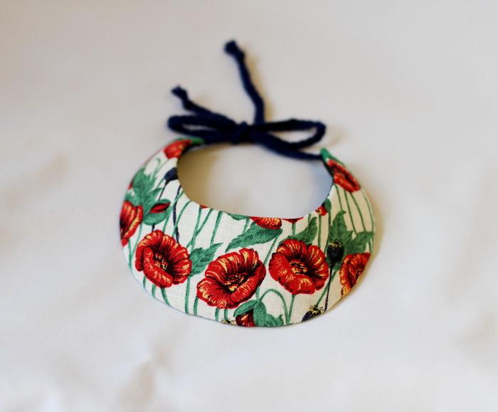 bijuterii handmade- colier fetru cu maci 1