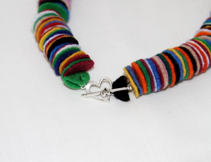 bijuterii handmade din fetru - colier (2)