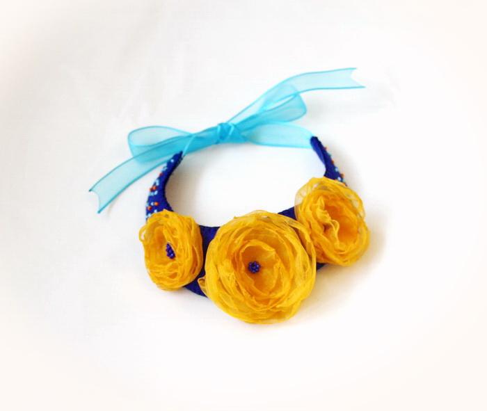 bijuterii handmade fetru- colier flori