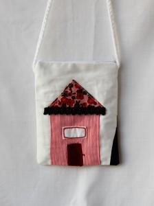 Poseta handmade cu casa brodata